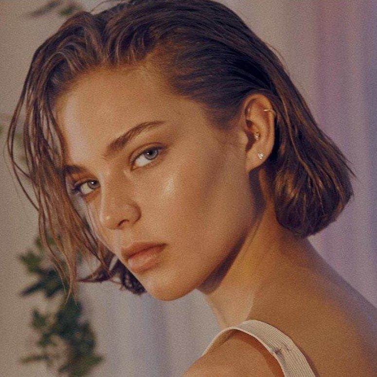 Img models модели фото девушки голые на работе