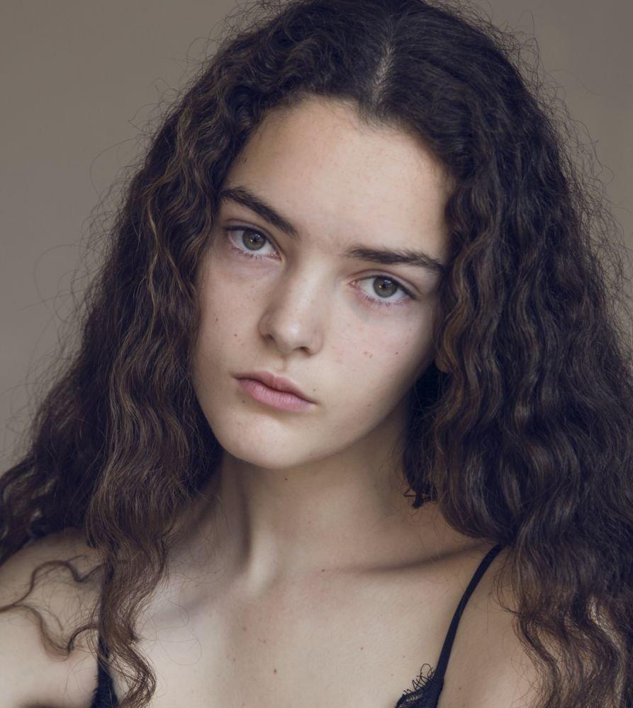 Leonie Simaga