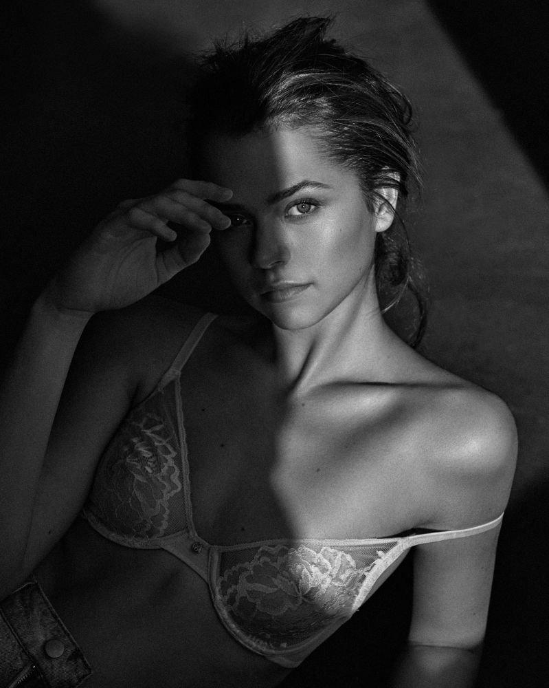 Alannah Walton Nude Photos 20