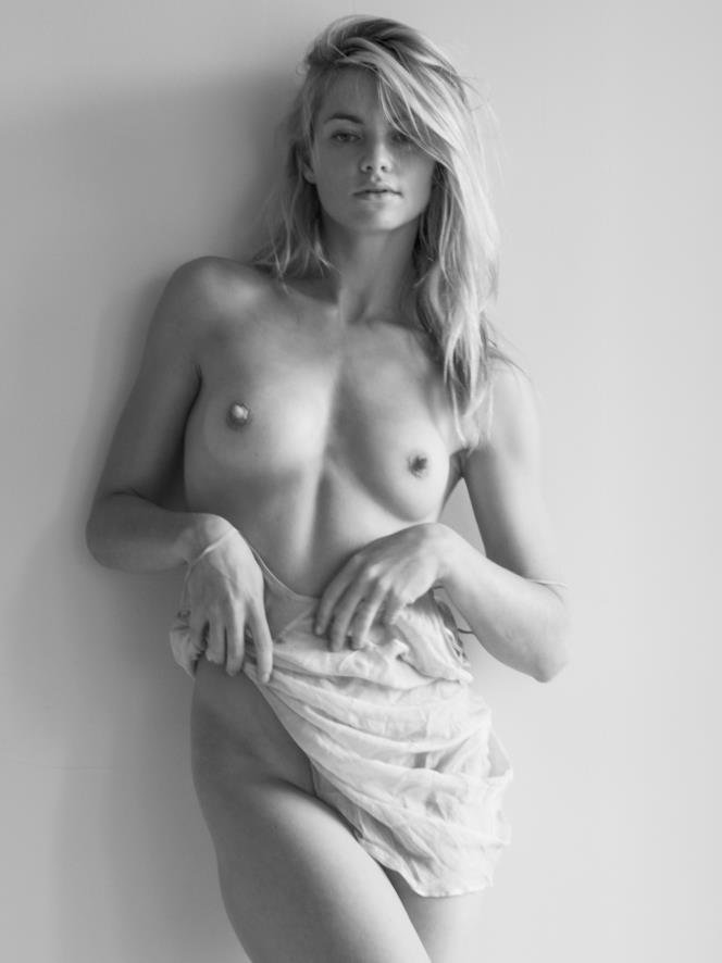 Jud tylor topless pics #15