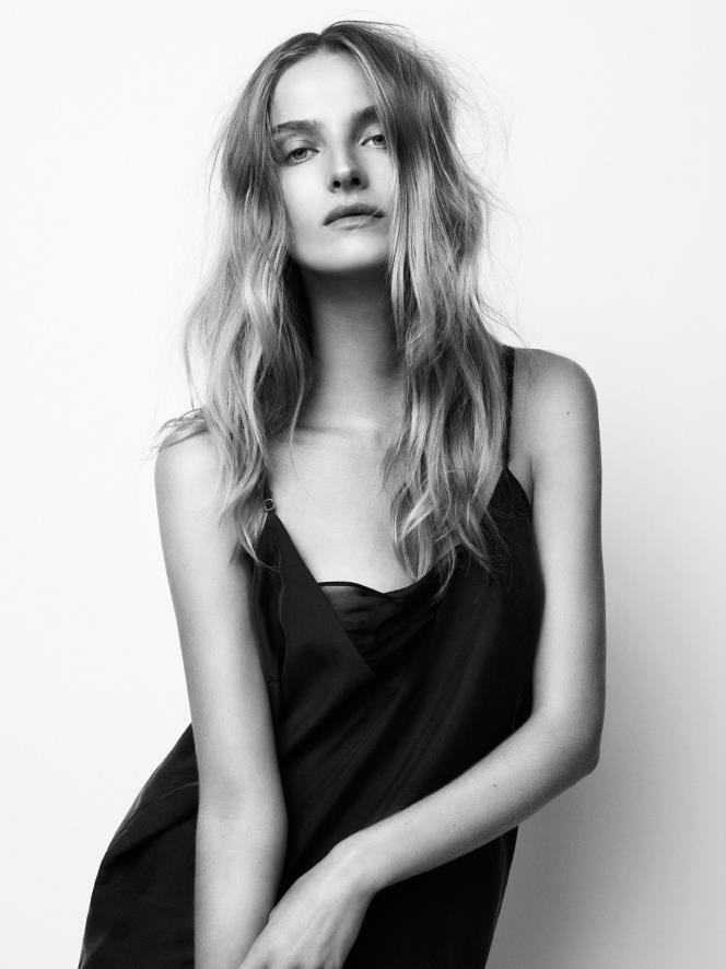 Amanda Norgaard naked 751